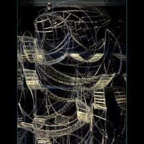 Dédale - pièce en verre de 25,5/25,5/60 cm, inserée dans une colonne de 28,5/28,5/230 cm