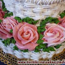 Корзина бело-розовых роз (крем) Бисквитные коржи, карамельный крем-брюле с грецкими орехами. Отделка – белковый крем. Вес 4,2кг