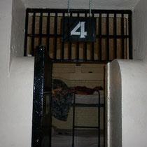 Nous avons passé la nuit dans cette ancienne cellule côté des prisonniers, car cette prison avait également une section consacrée aux prisonnières.