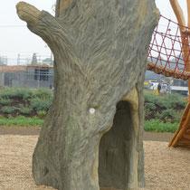 Betonbaum innen und außen bekletterbar