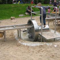 Wasserrad in Edelstahl