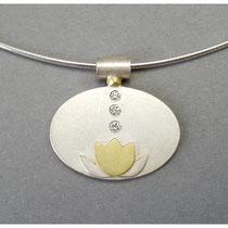 Lotusblüten-Anhänger aus Silber mit 750er Gold und Diamanten