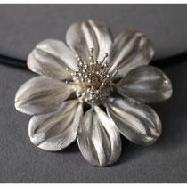 Dahlie 925er Silber, ca. 6 cm hoch / 425,- €