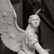 Kranzwerfende Victoria, Alte Nationalgalerie, Berlin