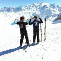 Violaine et Célina face au Mont-Blanc
