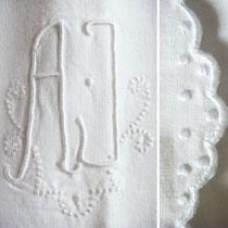 Antike Bettwäsche Weisswäsche mit Monogramm