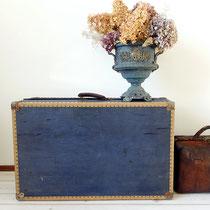 Antiker Reisekoffer blau