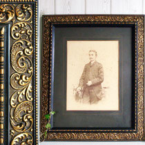 Handcoloriertes Portraitfoto Emilie Bieber um 1880 im Prunkrahmen