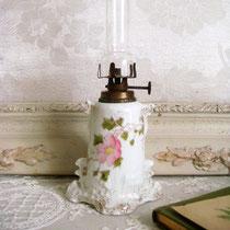 Jugendstil Mini- Petroleumlampe Porzellan & Glas