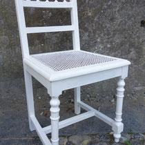 Antiker Stuhl geflochten - nachher