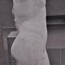 Sixtinische Kapelle Rom: schon die Künstler der Antike hatten ein besonders Auge für Struktur und  Körperform