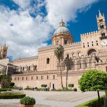 Palermo - Der Dom - 1184 errichtet - wurde mehrfach umgebaut und erhielt im 18 Jahrh. eine Barockkuppel