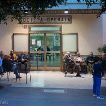 Santo Stefano - wie in vielen Städten Siziliens- Arbeiterselbsthilfevereine.