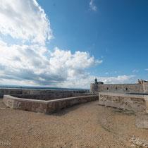 Syrakus - Die Festung Castello Maniace wurde durch Friedrich II.  von 1232 bis 1240 errichtet.