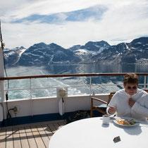 Mittag an Bord