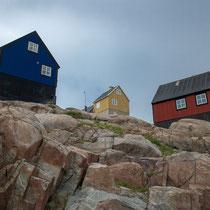Uummannaq - Häuser auf Felsen gebaut - Die Einwohner Grönlands können kein Eigentum erwerben