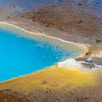 Geysir - Schwefel und andere Mineralien