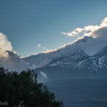 Ätna - 3323 m hoch, vor 600.000 Jahren entstanden. Letzter Ausbruch 17.11.2013.