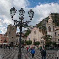Taormina - Corso Umberto -dreifacher Befestigungsring.