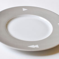 PLAY'TE DINNERWARE < USE THE SIGNS COLLECTION