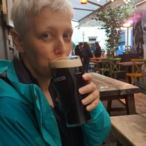 Cheers! Auf ein Bier im Pub in Glasgow...