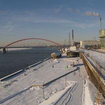 Blick in nördliche Richtung über den ehemaligen Nordhafen über die Rheinpark-Promenade. Aufnahme-Datum: 06.01.2009