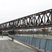 Überflutete Fußgängerrampe zur unteren Promenade, Pegelstand Ruhrort 8,73 Meter, Aufnahme-Datum: 05.01.2018