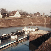 Kultushafen, die östliche Stirnseite vor dem Hafenrückbau, Aufnahme-Datum: 1986