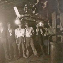 Arbeiter im Senkkasten, Quelle: Stadtarchiv Duisburg