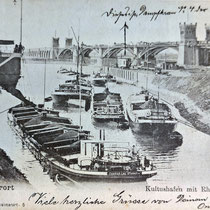 Links im Bild Kohleverladung mittels Waggonkipper und Rutsche. Im Hintergrund Dampfkran Nr. 4 der Firma Scharrer. Ansichtskarte aus Sammlung Weber.