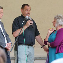 (v.l.) Jörg Haas, Jacques Tilly und Judith Knuff auf der Bühne