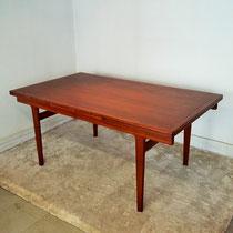 Table teck scandinave jusqu'à 14 personnes