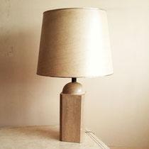 Très grande lampe en travertin
