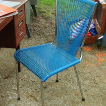 chaise scoubidou bleu canard