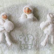 ....и снежками!