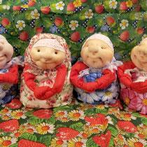 Куколки в одной технике, но двух похожих нету! Каждой хозяйке - своя Благополучница!!!