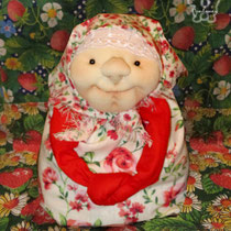 Пасхальная Хозяюшка-Благополучница. Под юбкой петелька мяконькая - можно спрятать яичко Пасхальное