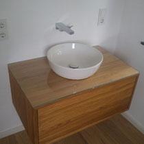 Waschtischunterschrank mit Glasauflage