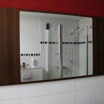 Spiegel im Rahmen, Akazie geräuchert