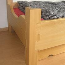 Einzelbett, Buche, klar lackiert, Detail
