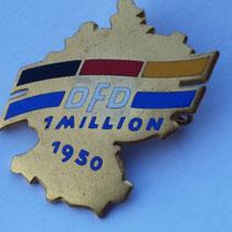Ehrennadel des DFD 1950