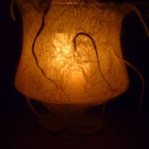Kerzenleuchte mit kleinen Löckchen