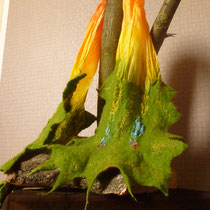Nuno-Filz-Schal (Merino auf handgefärbtem Seidenschal)