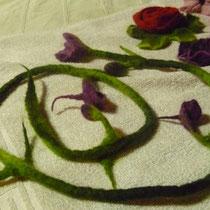 Blütenranke mit Knospen