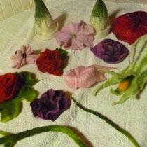 verschiedene Blüten und Blütenschmuck
