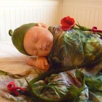 Babykappe mit Zipfel grün