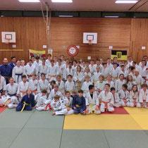 83 Judoka aus 16 Vereinen