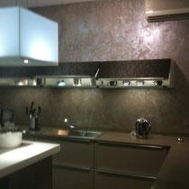 hotte Novy corian rétroéclairée comme le plan de travail,cuisine design-cuisiniste toulouse
