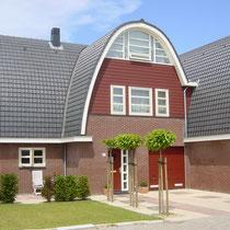 Nieuwbouw van 30 luxe 2-onder-1-kap woningen te Uithoorn. Werkzaamheden: bouwkundig tekenwerk.
