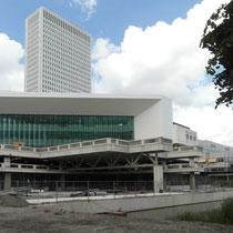 Nieuwbouw van een onderwijscentrum geïntegreerd in het huidige Erasmus Medisch Centrum. Werkzaamheden: bouwkostenadvies.